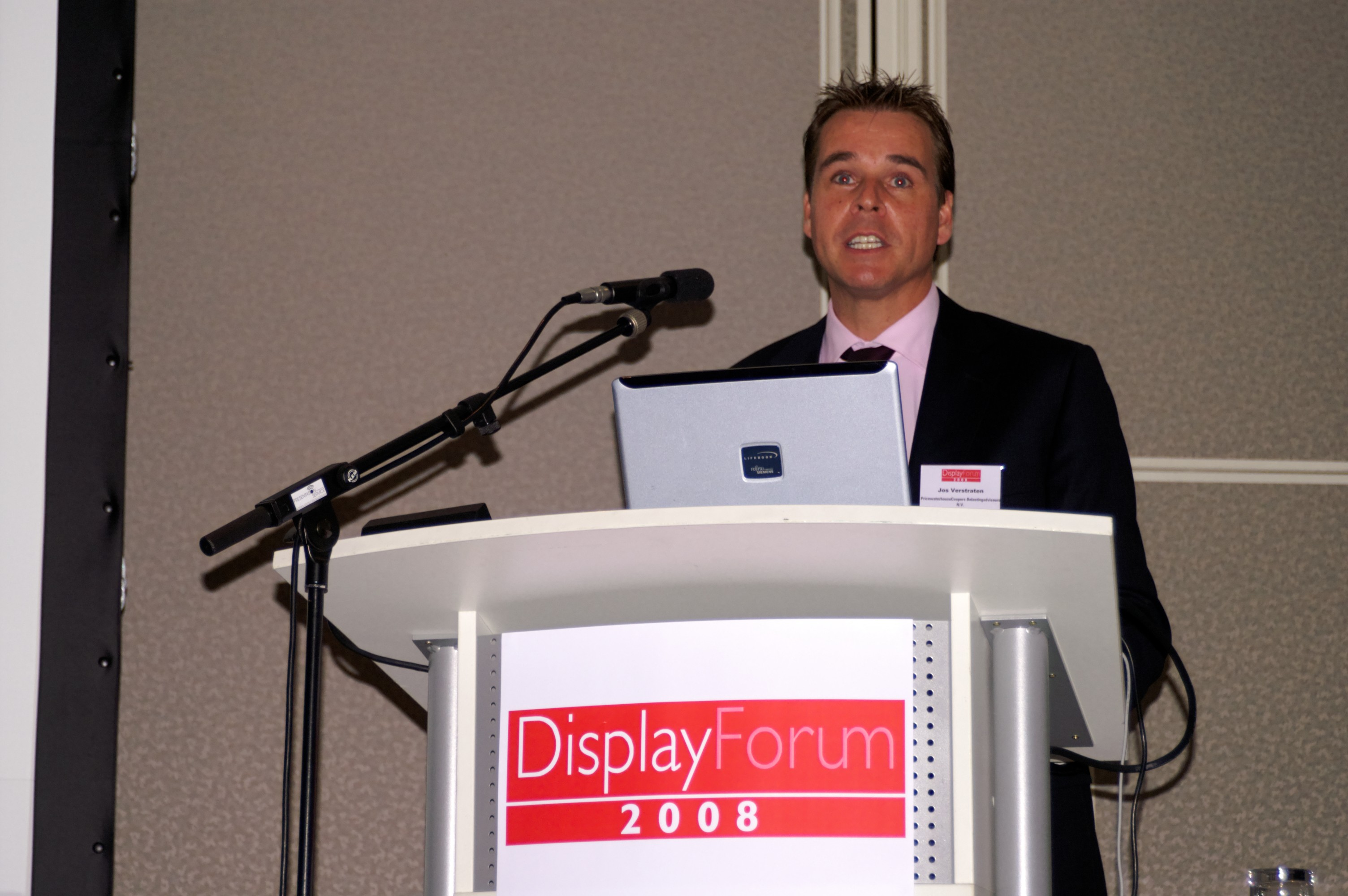 speaker at DisplayForum